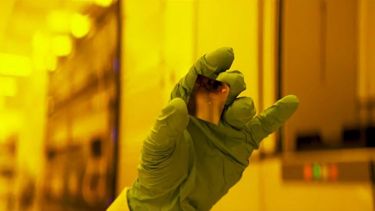 IBM şirkəti dünyanın ilk 2 nanometrlik prosessorunu yaradıb.