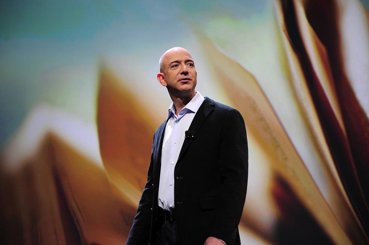Amazon-un yaradıcısı Jeff Bezos yaxın zamanda kosmosa yollanacaq