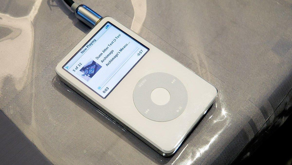 Apple şirkəti ABŞ hökuməti ilə birlikdə casusluq üçün nəzərdə tutulmuş iPod üzərində çalışırmış