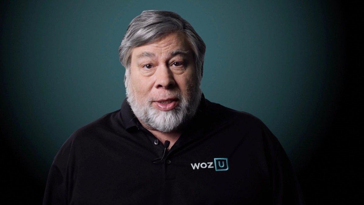 Apple şirkətinin həmtəsisçisi Steve Wozniak: 'Apple şirkəti çoxdan hissələrə ayrılsaydı daha yaxşı olardı'