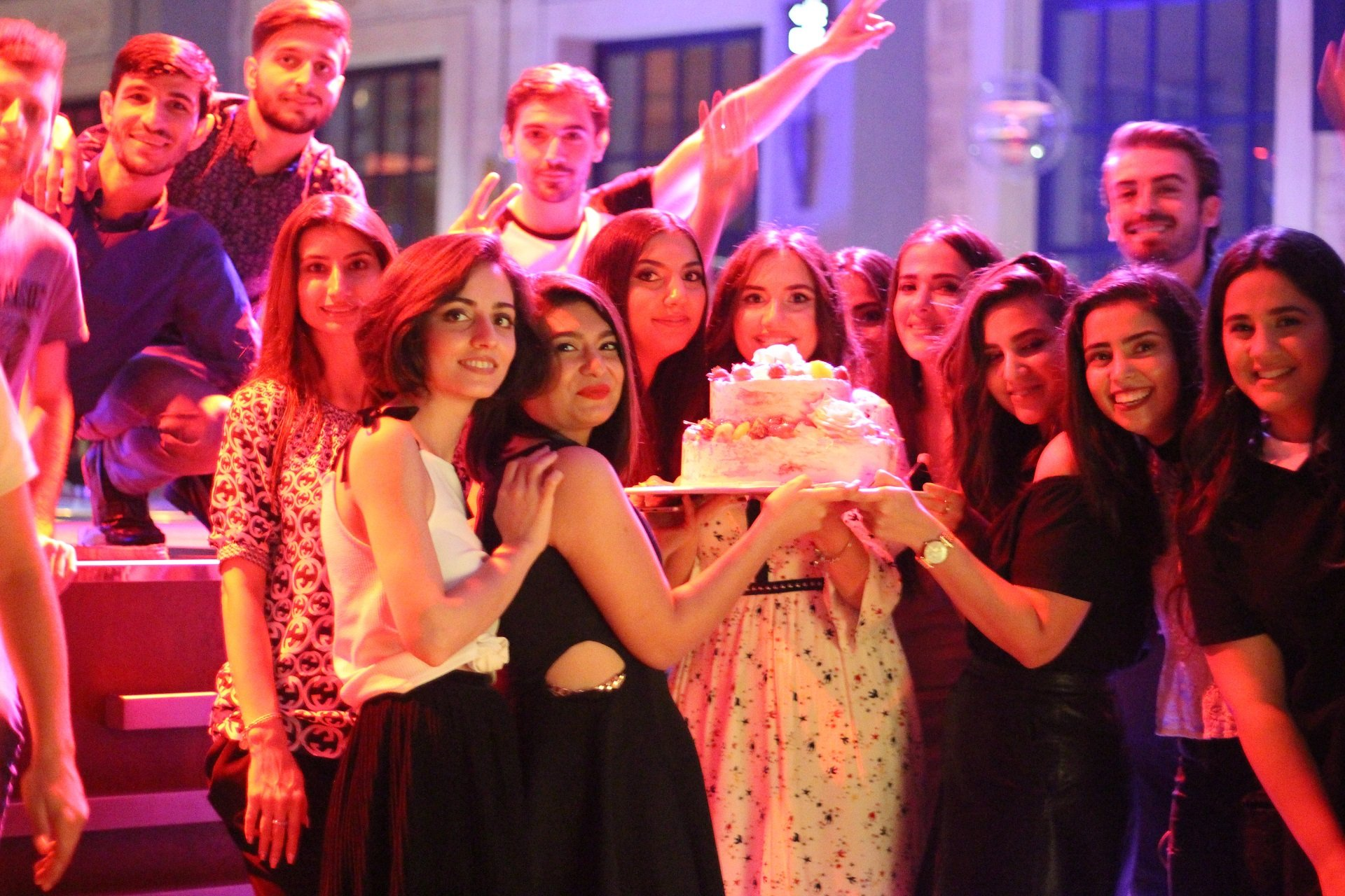 Bakının ən yaxşı gözəllik bloqerləri 'Blogstar' platformasının 1 yaşında (VİDEO)