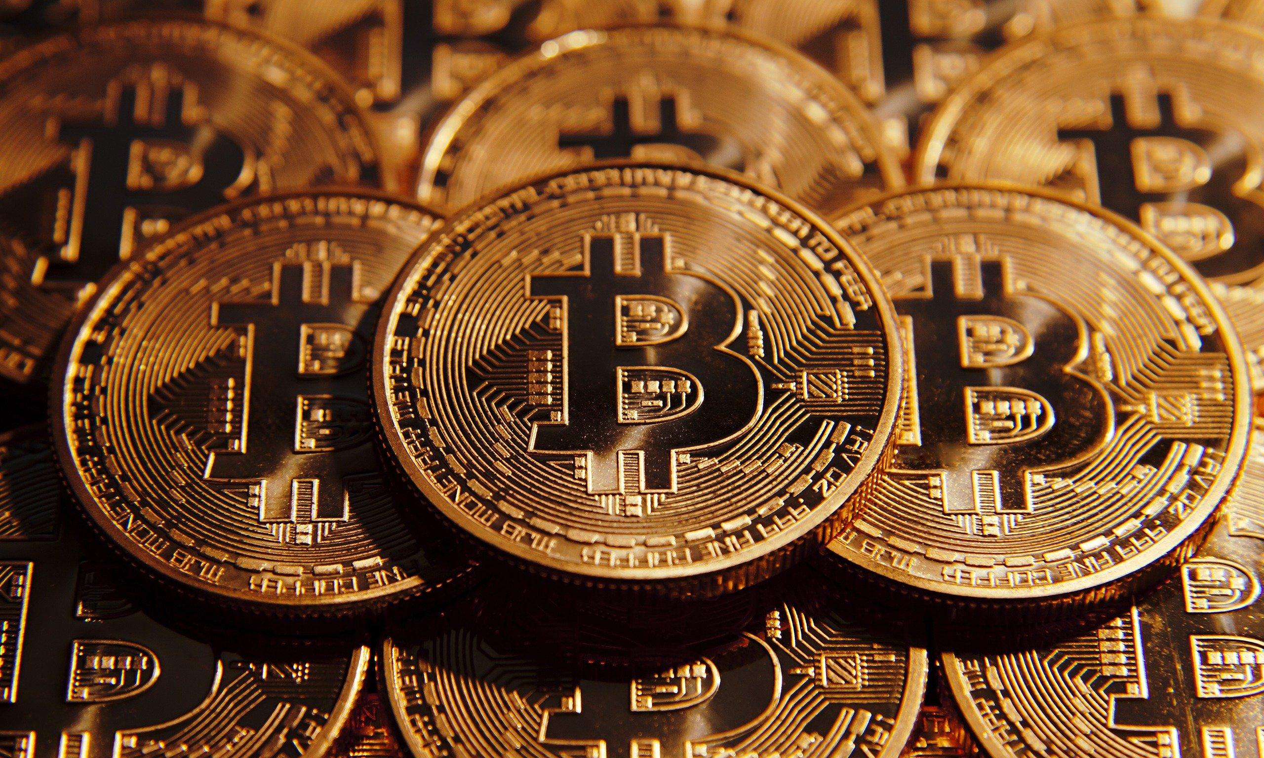 Bitcoin yerində durmaq bilmir. Kriptovalyuta yeni qiymət göstəricisinə qalxdı