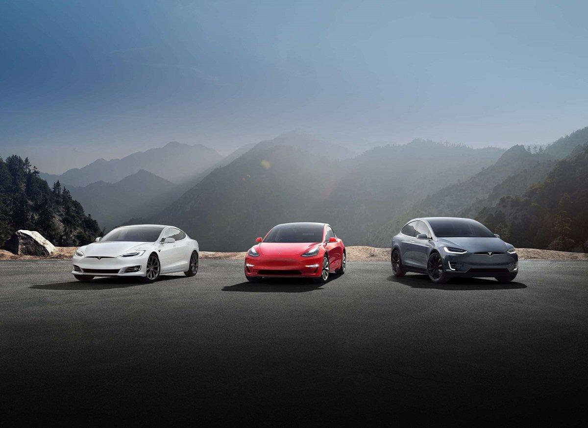 Bloomberg: 'Tesla bu onillikdə dünyanın ən gəlirli avtomobil istehsalçısıdır'