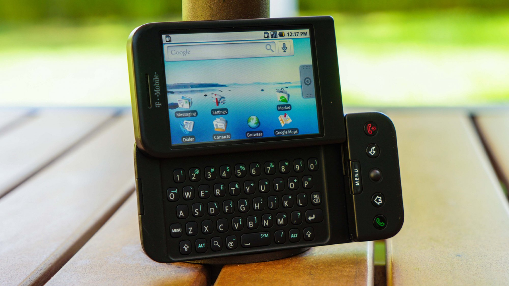 android, android os, htc, htc dream, t-mobile g1, first android phone, first android smartphone