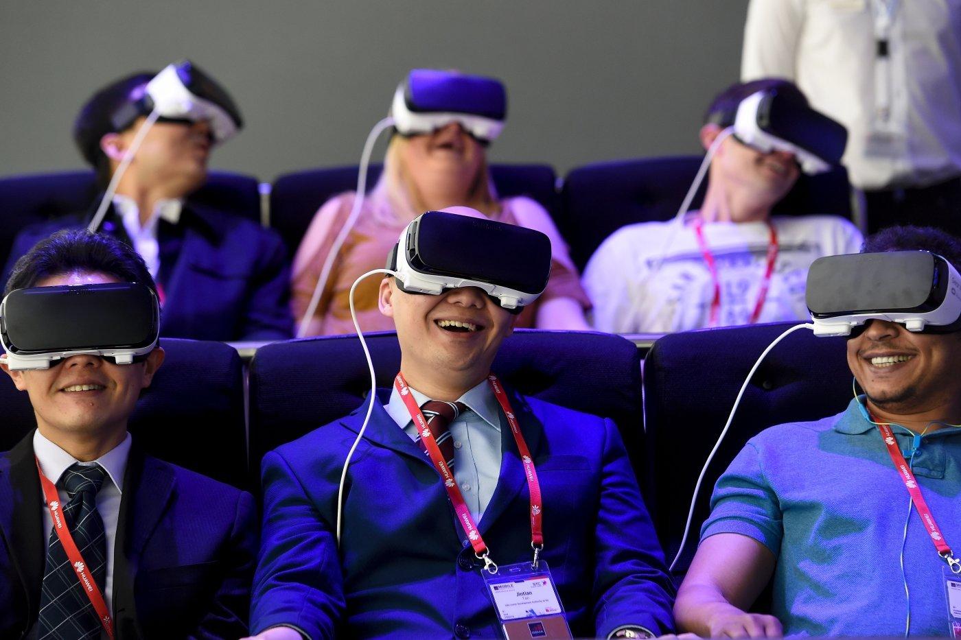 'Facebook', qiyməti ucuz olacaq Pacific kod adlı yeni VR cihaz hazırlayır
