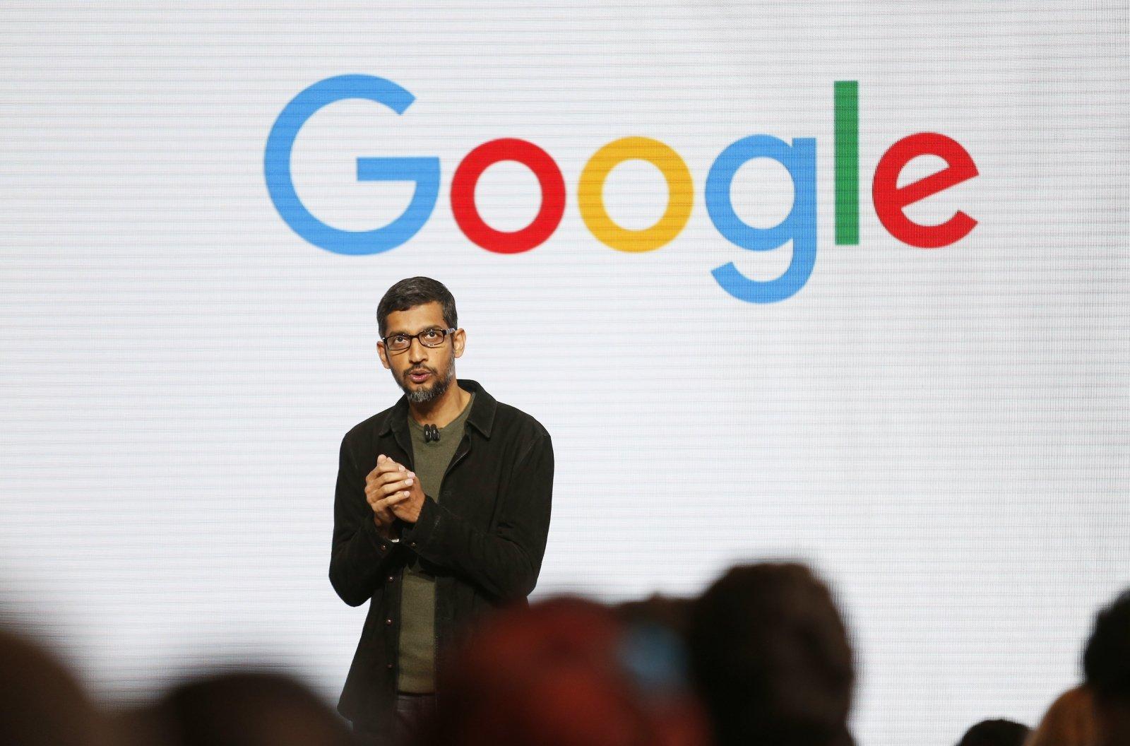 'Google'ın CEO-su Sundar Pichai: 'İnsanlar, yeni texnologiyalara hazır deyillər'