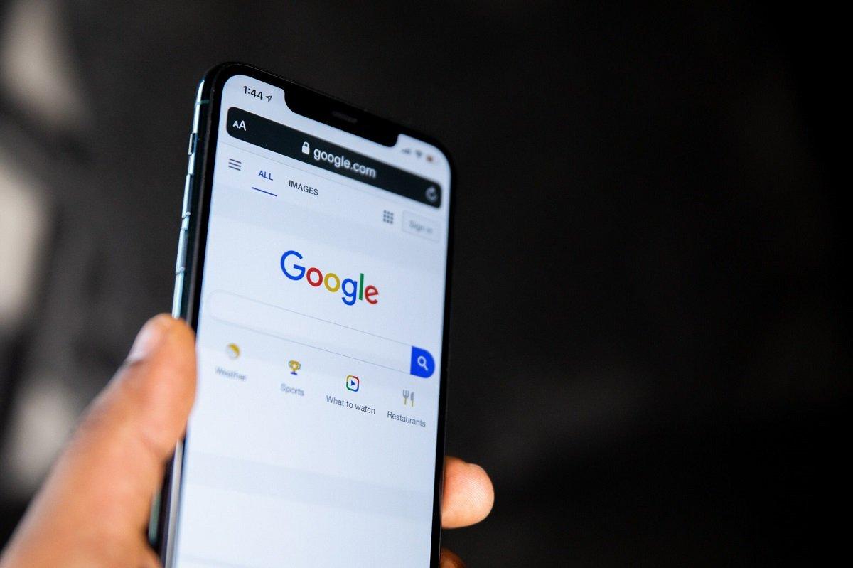 Google Search-un mobil versiyasına sonsuz axtarış nəticələri səhifəsi əlavə edilib
