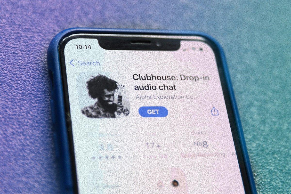 Hackerlərdən biri Clubhouse-dakı danışıqları digər saytlarda yayımlayıb