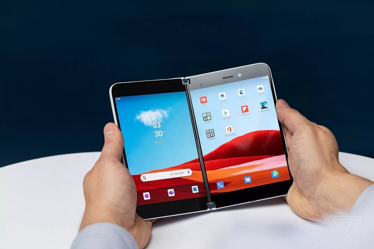 İki ekranlı Microsoft Surface Duo smartfonunun ortaya çıxmış texniki özəllikləri heç diqqət çəkmir (VİDEO)