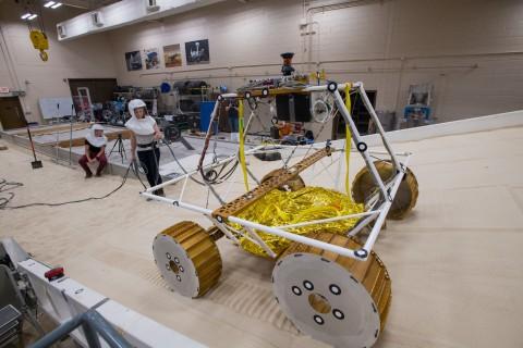 NASA agentliyi Aya işıqlandırma sistemli avtonom aparat göndərəcək