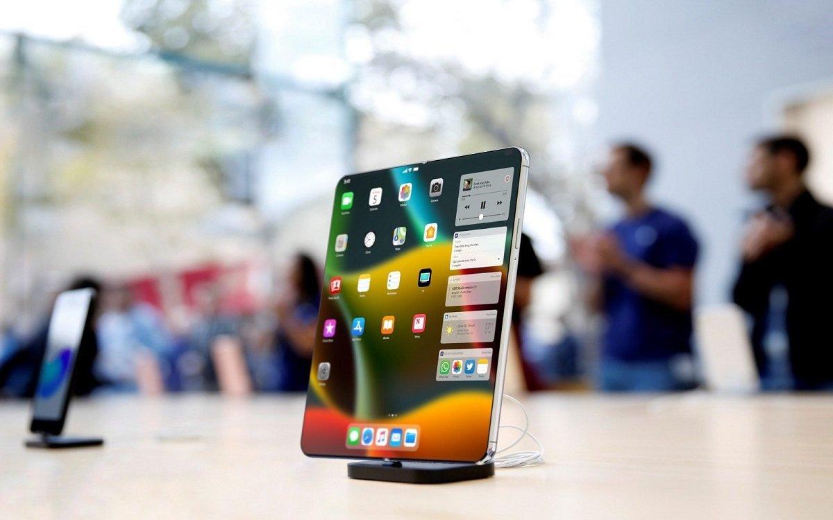 İnsayderlər: Apple şirkəti qatlana bilən iPhone modelinin hazırlanmasını sürətləndirib