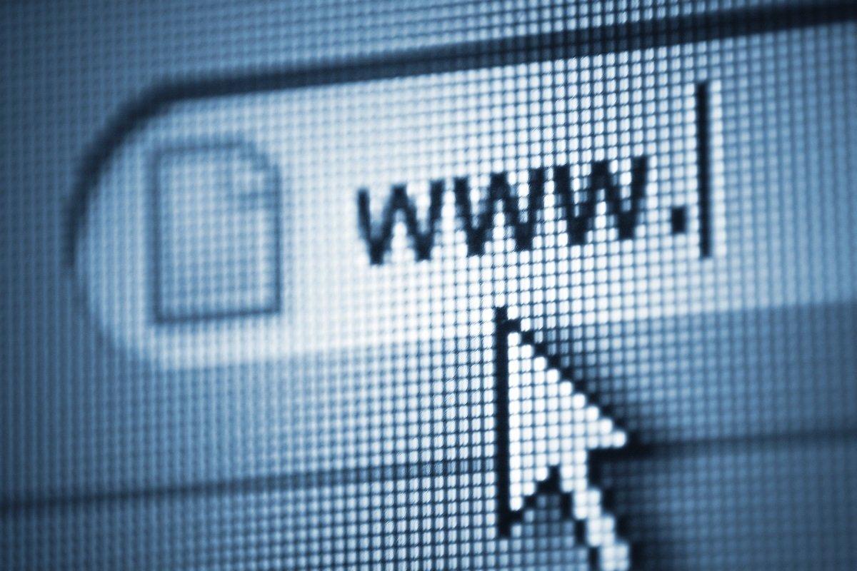 İnternetin mənbə kodu 5.4 milyon dollara satılıb
