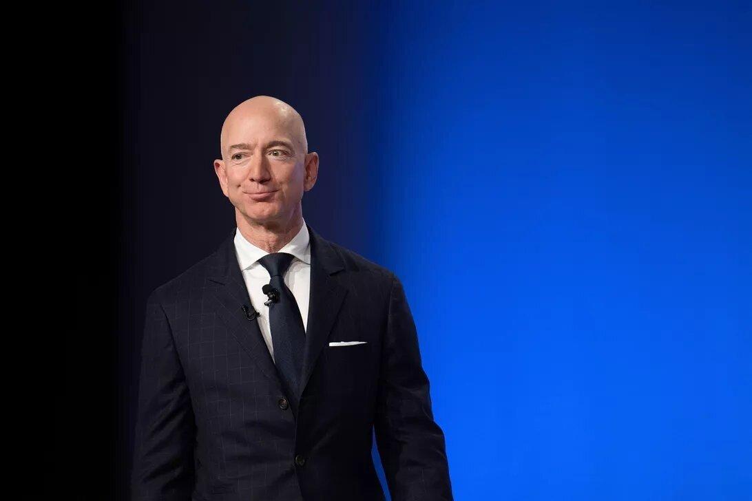 Jeff Bezos öz sərvətini 15 dəqiqə ərzində 13.2 milyard dollar yüksəldib