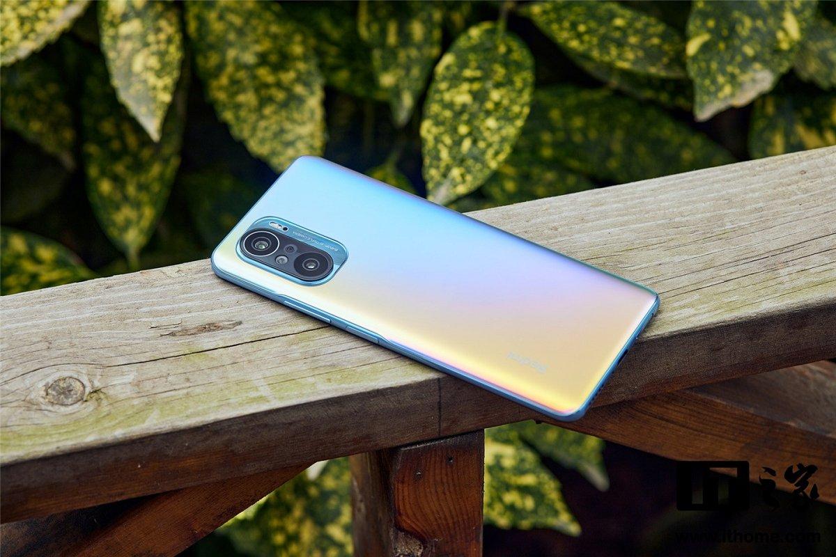 Məşhur insayder Redmi K50 və K50 Pro smartfonları barəsində bəzi məlumatları verib