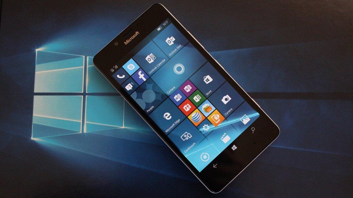 Microsoft şirkəti Windows 10 Mobile əməliyyat sisteminin dəstəyinin dayandırılmasını təxirə saldı