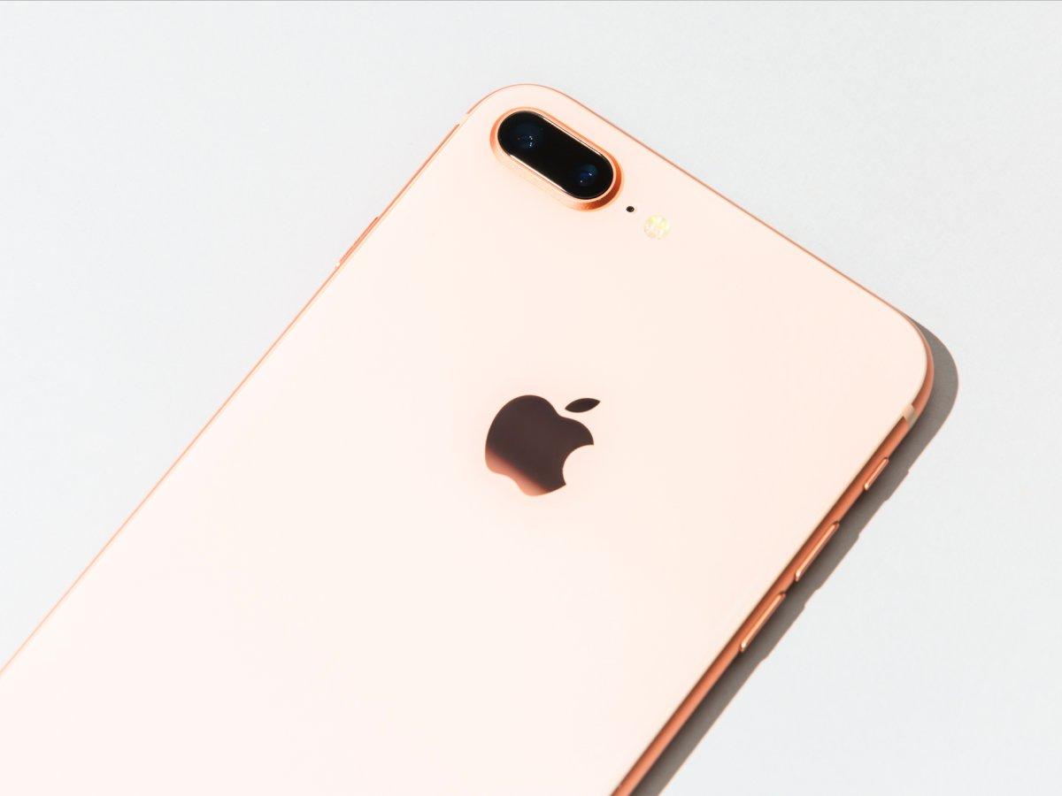 Partlayış dalğası bu dəfə iPhone 8 Plus üzərindən gəlir. 'Apple', rəsmi istintaqa start verir
