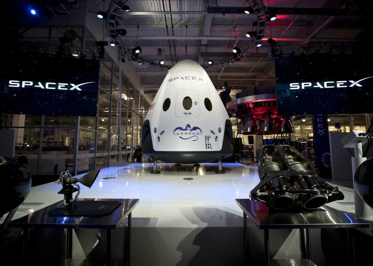 SpaceX şirkəti Crew Dragon kosmik gəmisinin sərnişin kapsulunun yeni testini keçirtdi