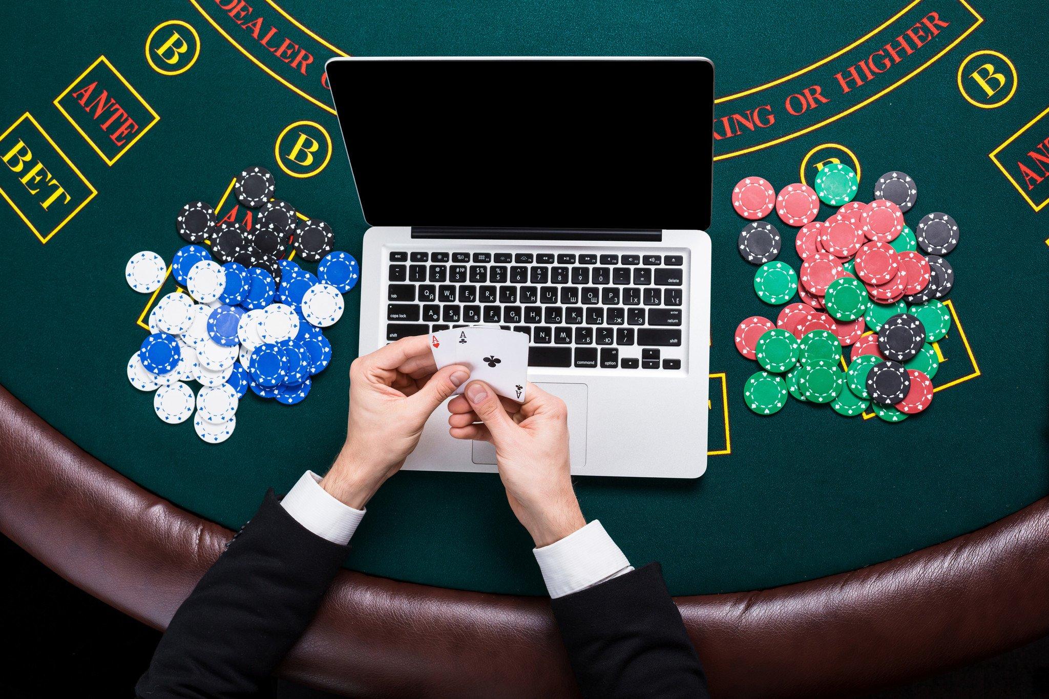 Süni zəka 4 professional poker oyunçusunu udaraq 1.8 milyon dolları necə qazandı?