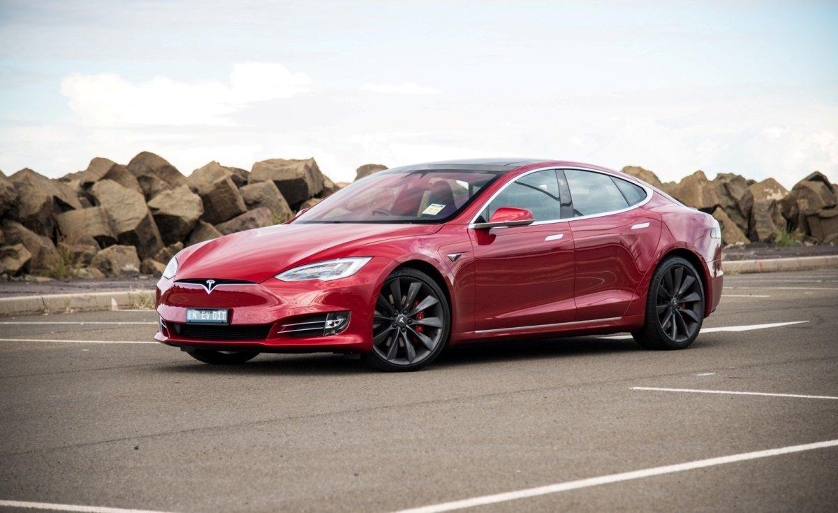 Tesla elektromobillərinin sığortası üçün Tesla Insurance şirkəti fəaliyyətə başlayacaq