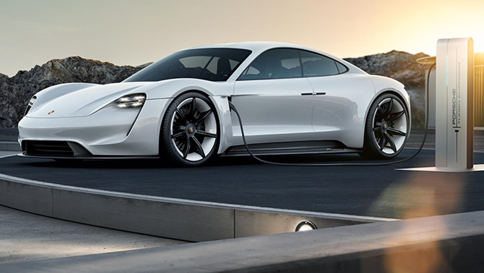 Tesla'nın yeni rəqibi: Porsche Mission E