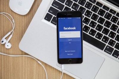 facebook, facebook audio rooms, facebook podcast, mark zuckerberg, mark zuckerberg facebook