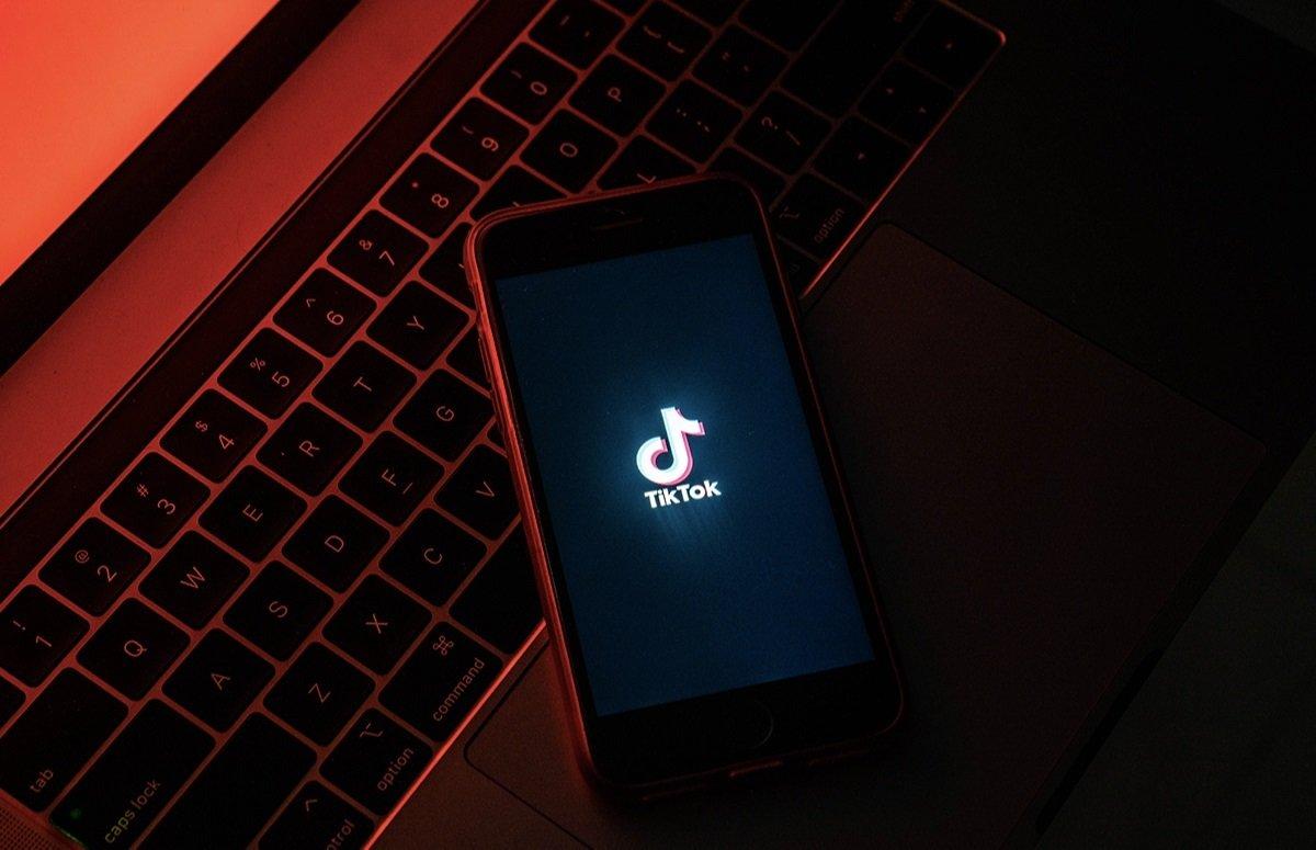TikTok yenə diqqət mərkəzində: Servis 1 ildən çox Android smartfonların MAC ünvanlarını yığırmış