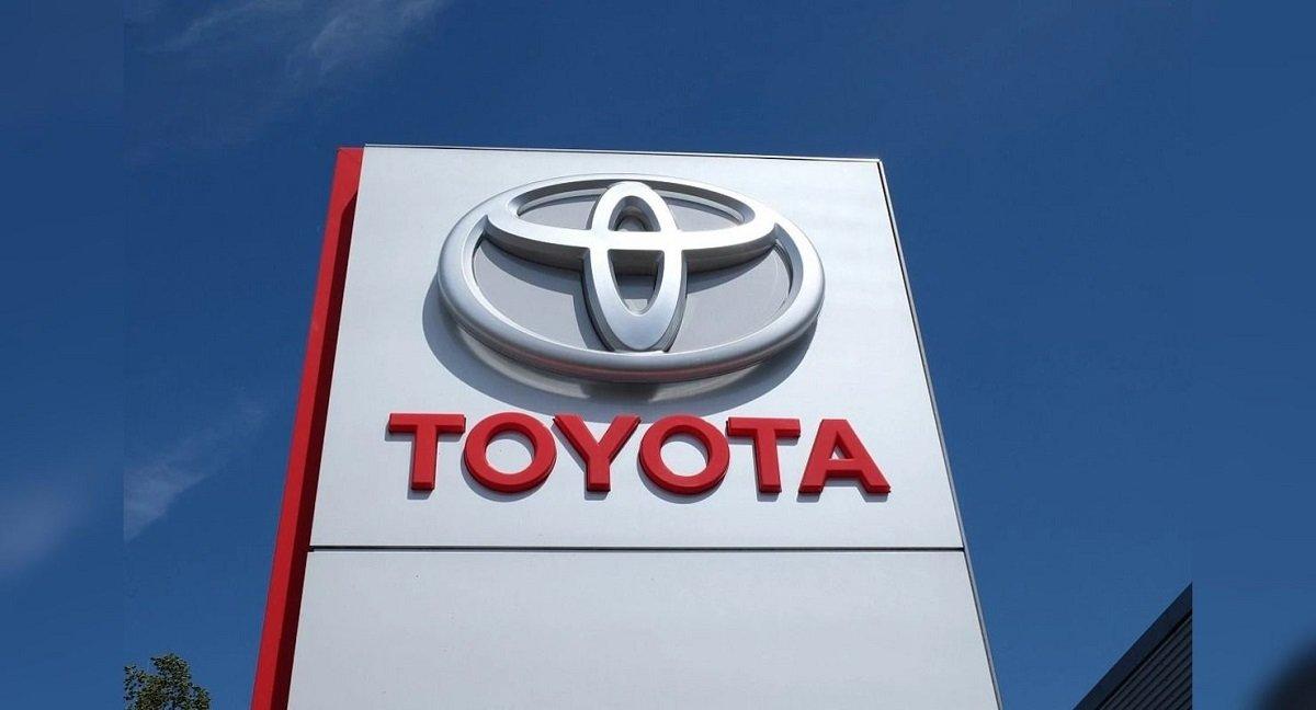 Toyota şirkəti ABŞ-da və digər ölkələrdə elektrikli avtomobillərə keçid prosesinə mane olmağa çalışır