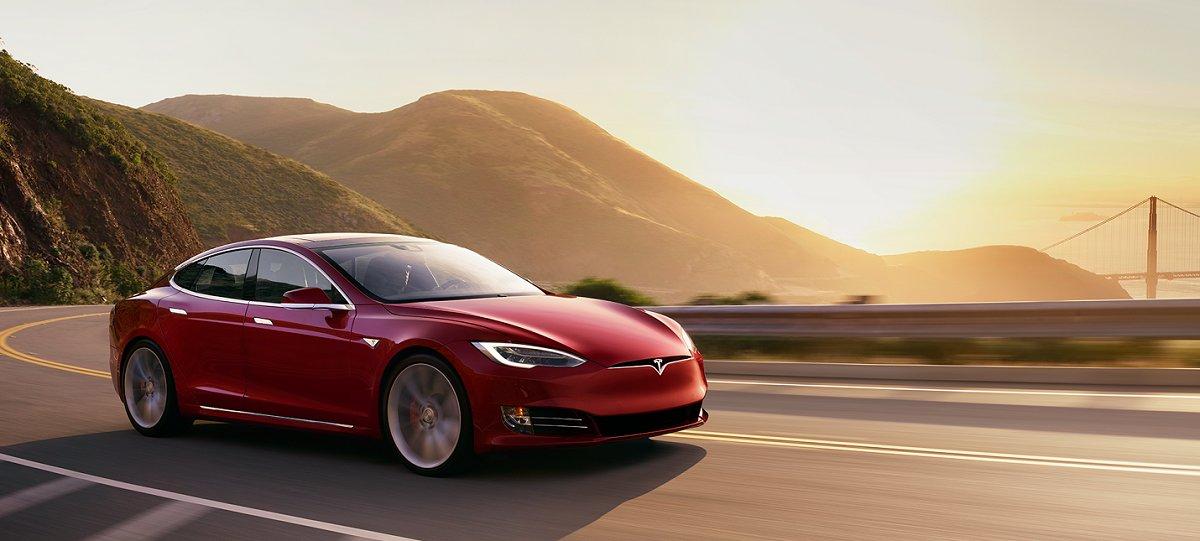 Yeni innovasiyalı batareya Tesla elektromobillərini daha ucuz edəcək