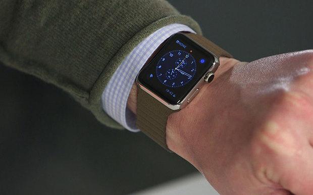 Apple Watch satışları azalır