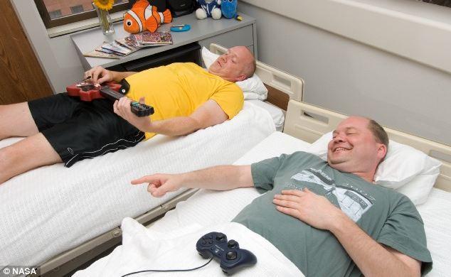 NASA könüllü axtarır, yataraq pul qazanın.