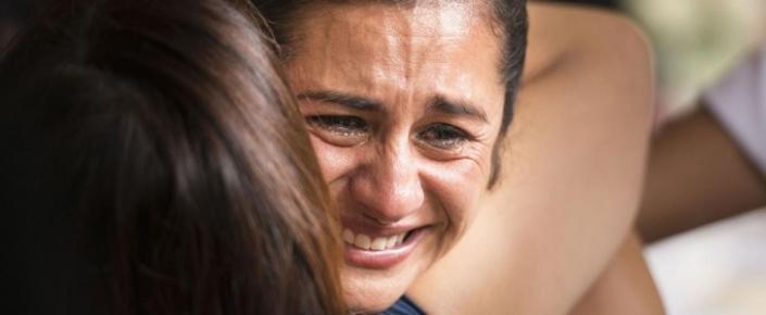 Sevincli olduğumuz anlarda niyə ağlayırıq? (Elmi izah)