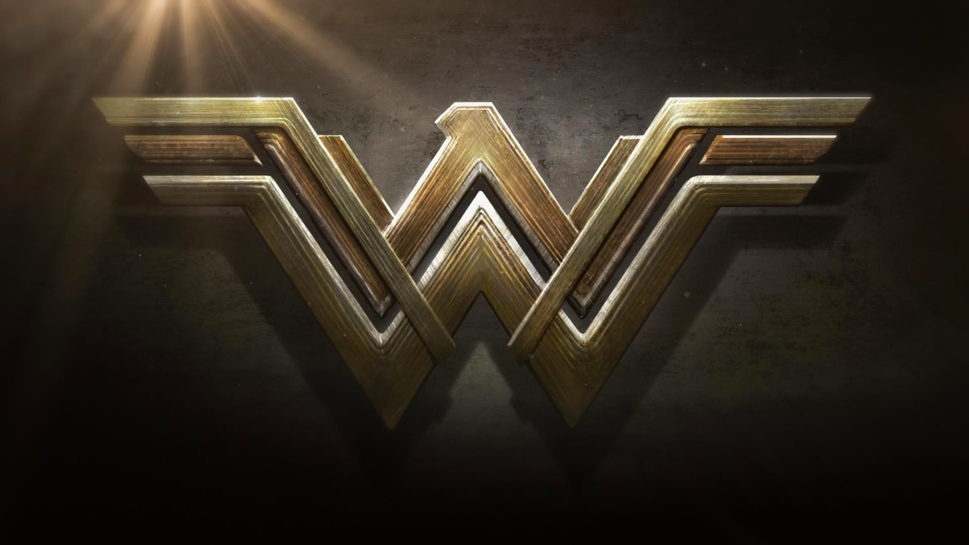 """Wonder Woman"" filminin ilk traileri"