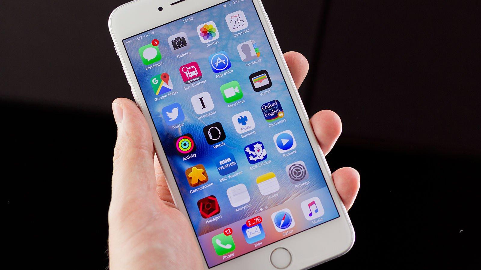 """""""Apple"""" 2017-ci il iPhone-da vacib xüsusiyyətdən imtina edə bilər"""