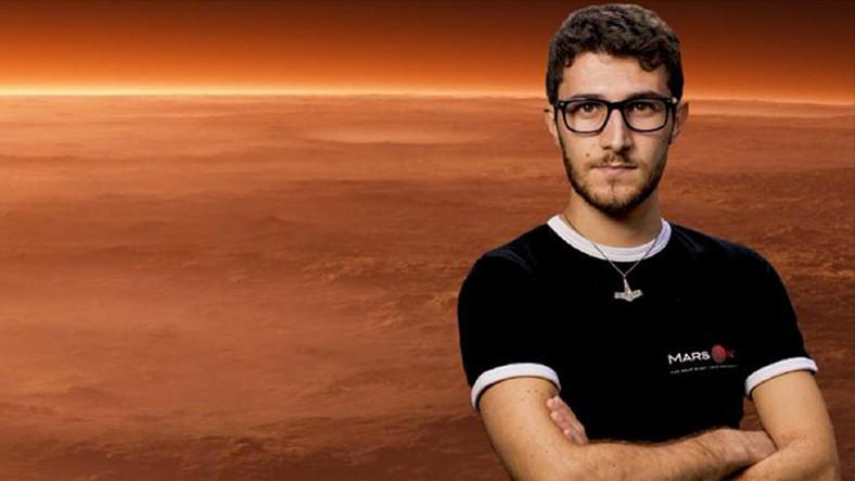 Sevdiyi insana görə Marsa getməkdən imtina etdi