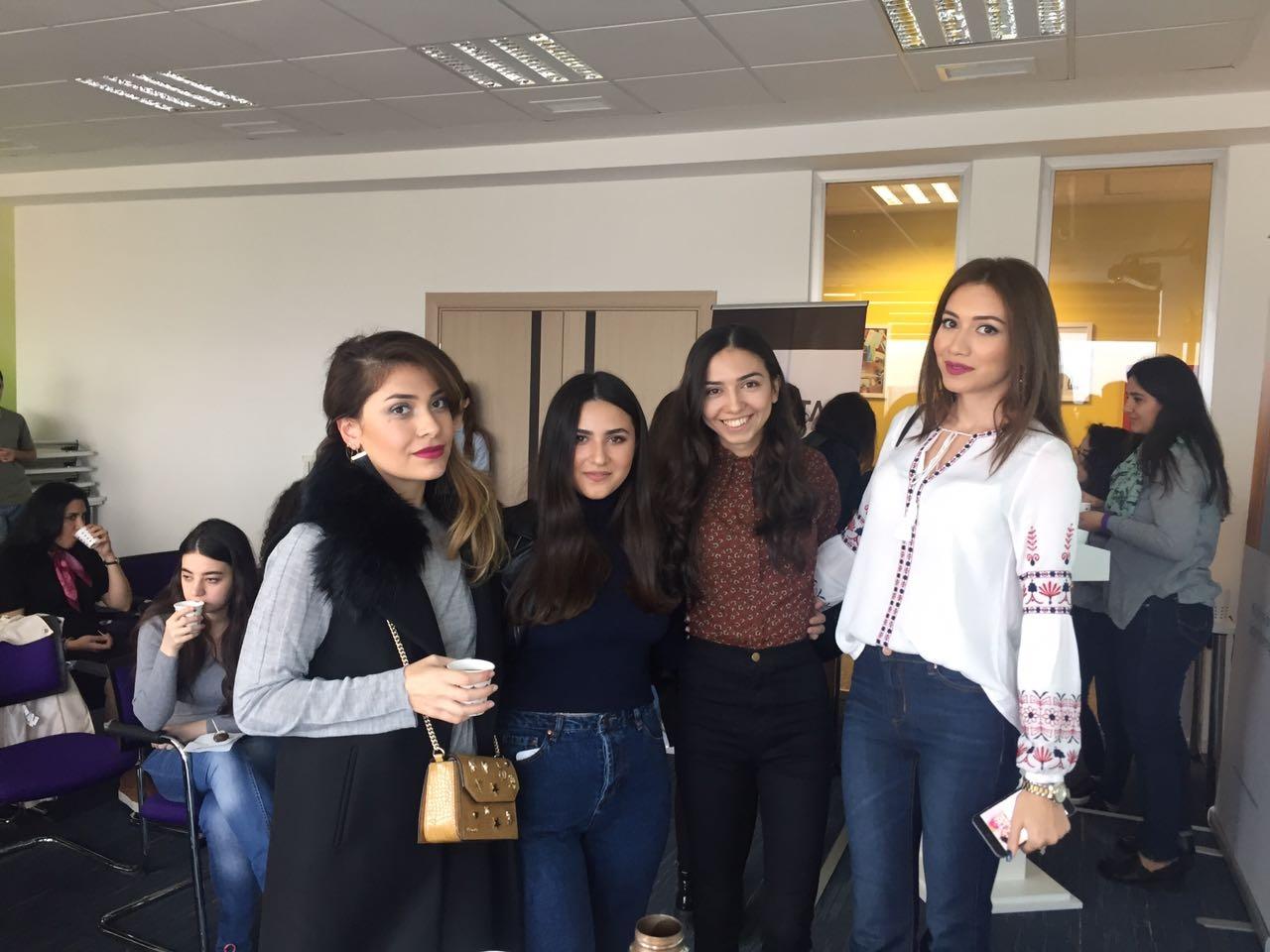 """Naveen.az-ın qurucusundan """"Öz Brendini Yarat"""" seminarı Blogstar təşkilatçılığı ilə həyata keçirildi"""