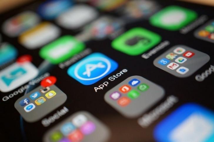 İranda hazırlanmış tətbiqetmələr App-Storedan silinir!
