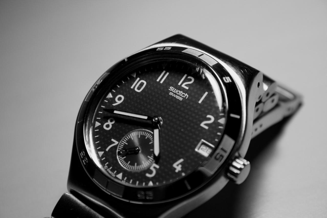 """""""Swatch"""", ağıllı saatları üçün öz əməliyyat sistemini yaradacaq"""
